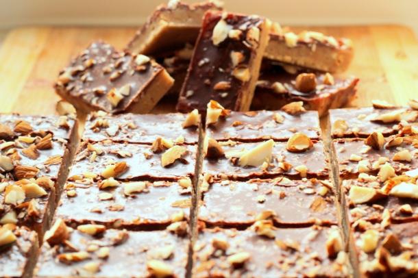 the_vital_sparkle_no_bake_protein_bar_clean_eat_dark_chocolate_almond_crunch_recepie